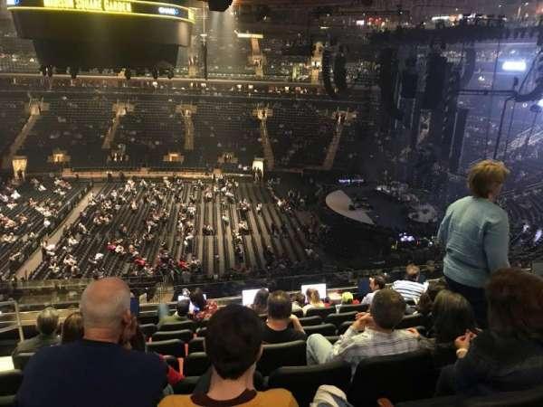 Madison Square Garden, secção: 212, fila: 8, lugar: 2
