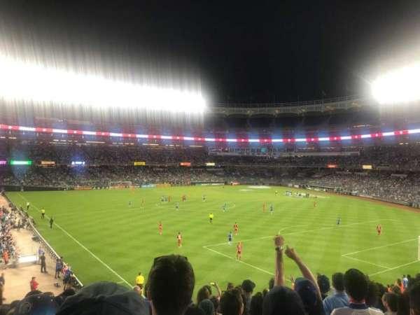 Yankee Stadium, secção: 239, fila: 10, lugar: 17