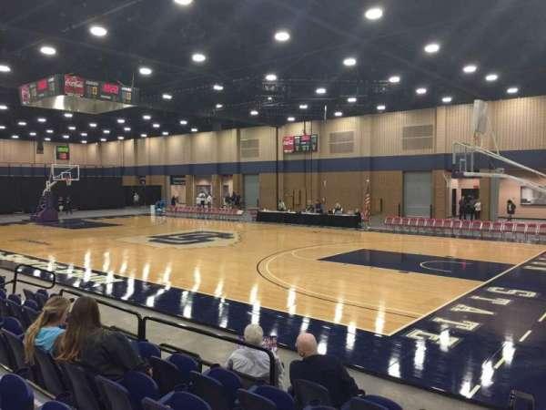 Mashburn Arena, secção: 4, fila: FF, lugar: 6