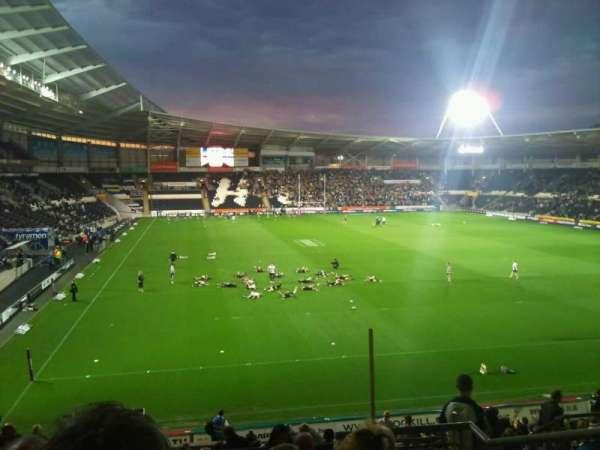 KCOM Stadium, secção: South, fila: AD, lugar: 158