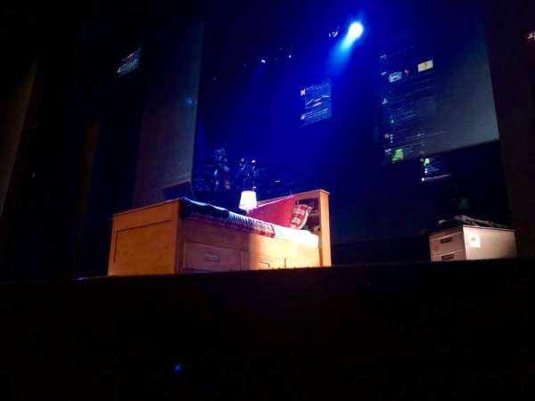 Music Box Theatre, secção: Orchestra R, fila: A, lugar: 2