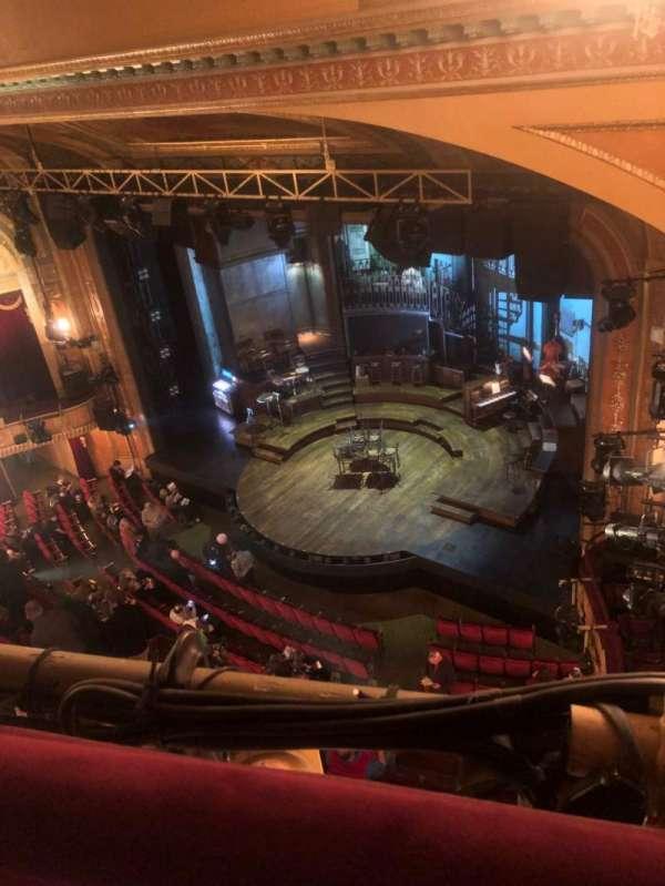 Walter Kerr Theatre, secção: Balcony R, fila: A, lugar: 42
