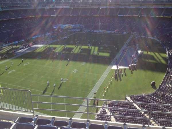 San Diego Stadium, secção: V55, fila: 9, lugar: 4