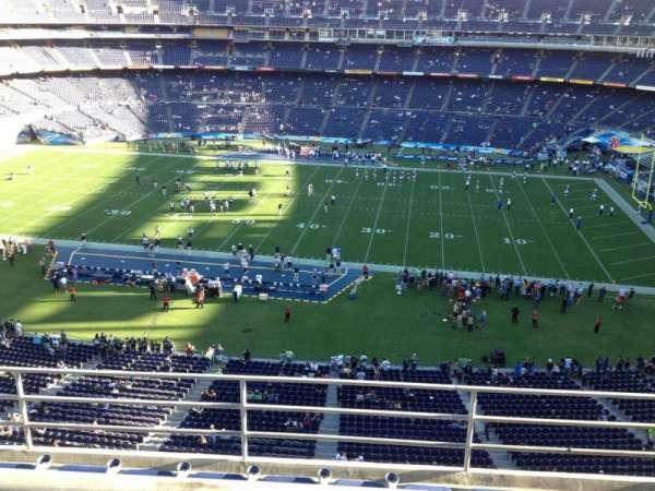 San Diego Stadium, secção: V8, fila: 5, lugar: 18