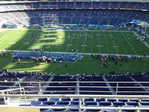 San Diego Stadium, secção: V8, fila: 6, lugar: 16