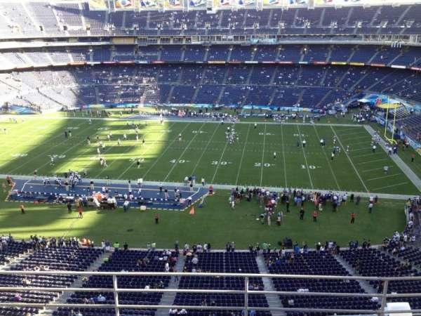 San Diego Stadium, secção: V9, fila: 5, lugar: 4