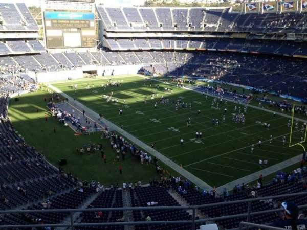San Diego Stadium, secção: V15, fila: 5, lugar: 5