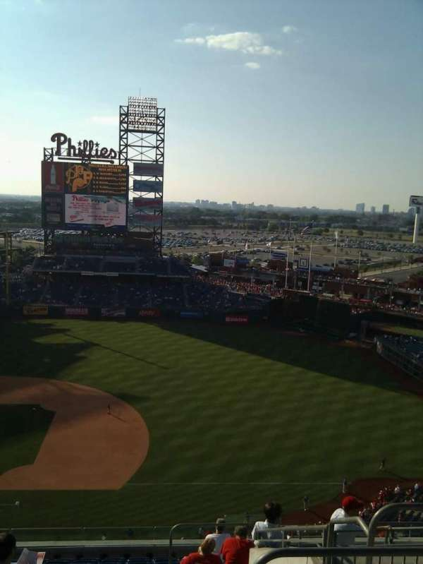 Citizens Bank Park, secção: 414, fila: 13, lugar: 4