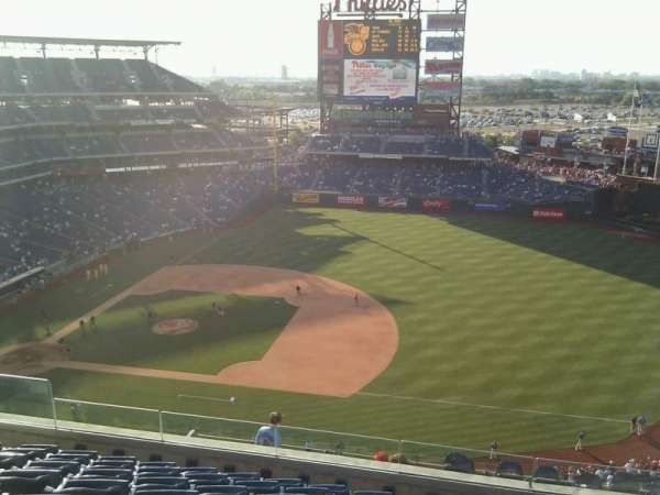 Citizens Bank Park, secção: 413, fila: 8, lugar: 14