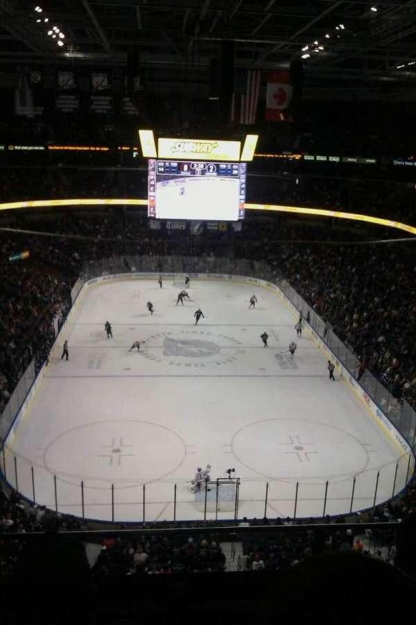 Amalie Arena, secção: 324, fila: C, lugar: 4