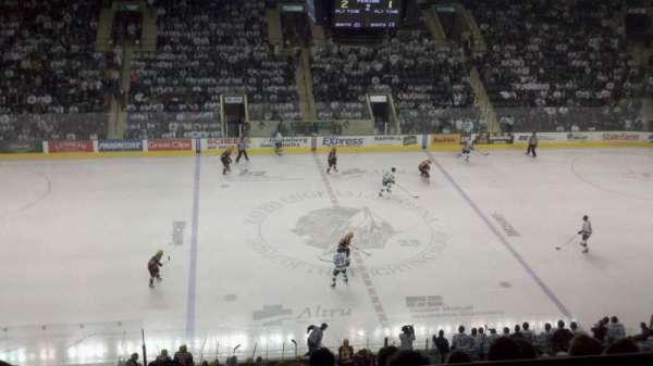 Ralph Engelstad Arena, secção: 301