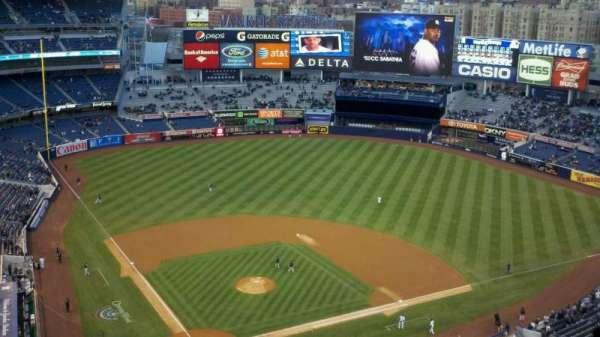 Yankee Stadium, secção: 419, fila: 14, lugar: 26