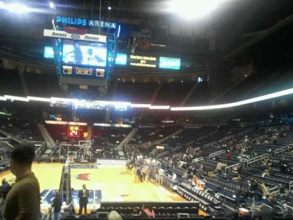 State Farm Arena, secção: 102, fila: d, lugar: 12