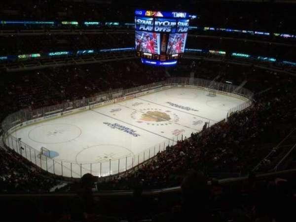 United Center, secção: 305, fila: 8, lugar: 10