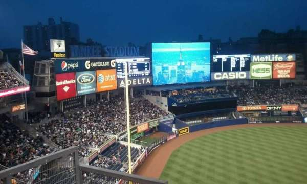 Yankee Stadium, secção: 329, fila: 10, lugar: 15