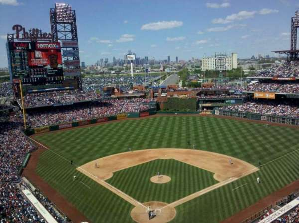 Citizens Bank Park, secção: 420, fila: 8, lugar: 9