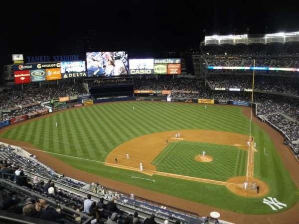 Yankee Stadium, secção: 422, fila: 1, lugar: 21