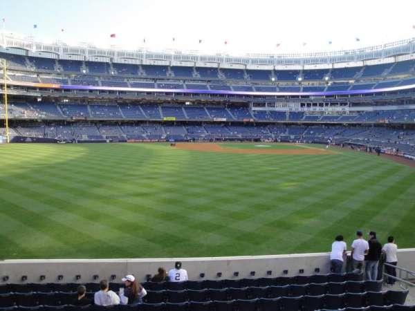 Yankee Stadium, secção: 236, fila: 1, lugar: 10
