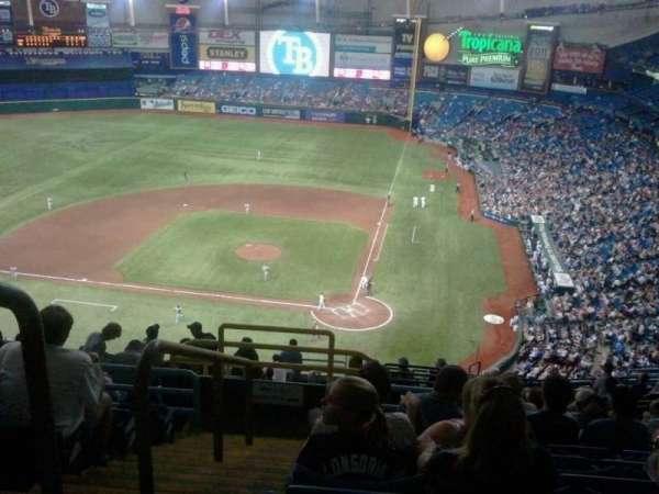 Tropicana Field, secção: 305, fila: T, lugar: 1