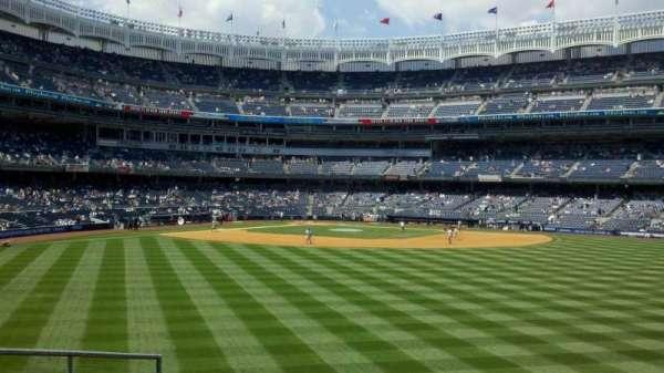 Yankee Stadium, secção: 202, fila: 1, lugar: 9-14