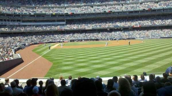Yankee Stadium, secção: 106, fila: 21, lugar: 5
