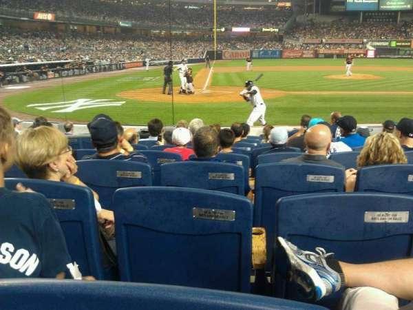 Yankee Stadium, secção: 017B, fila: 9, lugar: 7