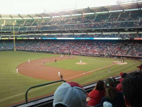 Angel Stadium, secção: C311, fila: D, lugar: 10