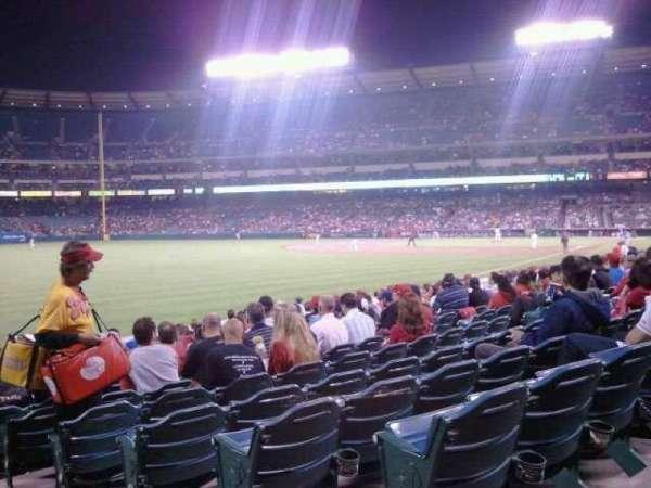 Angel Stadium, secção: F103, fila: R, lugar: 21