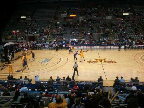 Allen County War Memorial Coliseum, secção: 215, fila: 14, lugar: 12