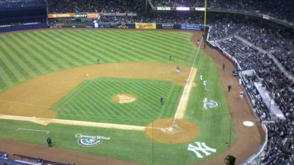 Yankee Stadium, secção: 322, fila: 8WC