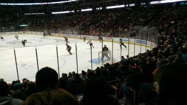 Honda Center, secção: 203, fila: m, lugar: 2