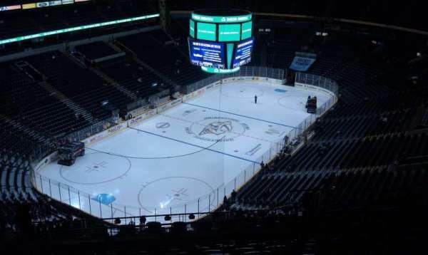 Bridgestone Arena, secção: 302, fila: R, lugar: 11