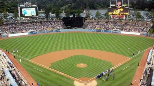 Dodger Stadium, secção: 3TD, fila: A, lugar: 1,2,3,4