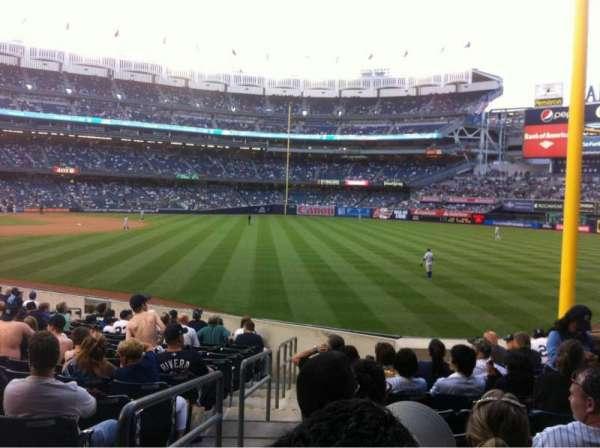 Yankee Stadium, secção: 108, fila: 20, lugar: 14