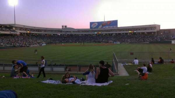 Raley Field, secção: grass, fila: open seat