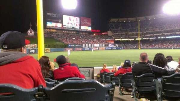 Angel Stadium, secção: F103, fila: J, lugar: 18