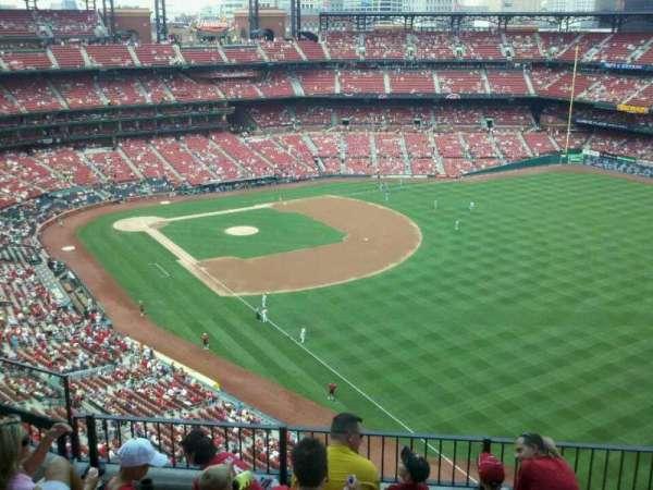 Busch Stadium, secção: 432, fila: 6, lugar: 6