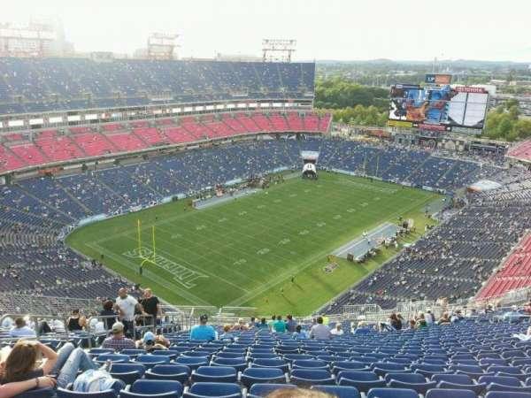 Nissan Stadium, secção: 320, fila: jj, lugar: 22
