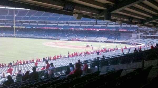 Angel Stadium, secção: 205, fila: K, lugar: 14