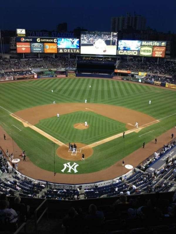Yankee Stadium, secção: 320a, fila: 3, lugar: 7
