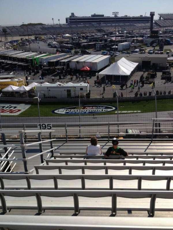 Dover International Speedway, secção: 195, fila: 9, lugar: 6