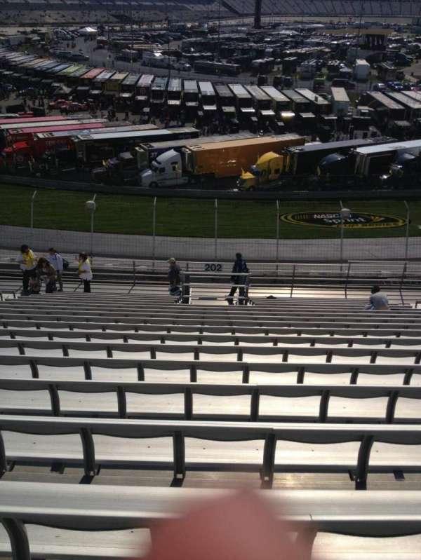 Dover International Speedway, secção: 202, fila: 18, lugar: 11