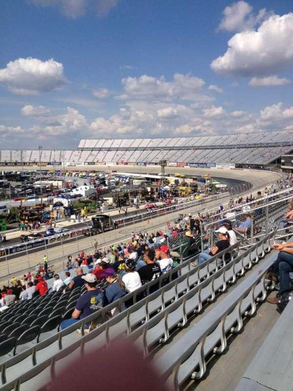 Dover International Speedway, secção: 251, fila: 42, lugar: 21