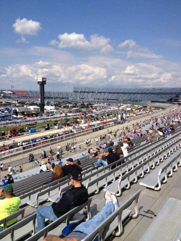Dover International Speedway, secção: 111, fila: 42, lugar: 7