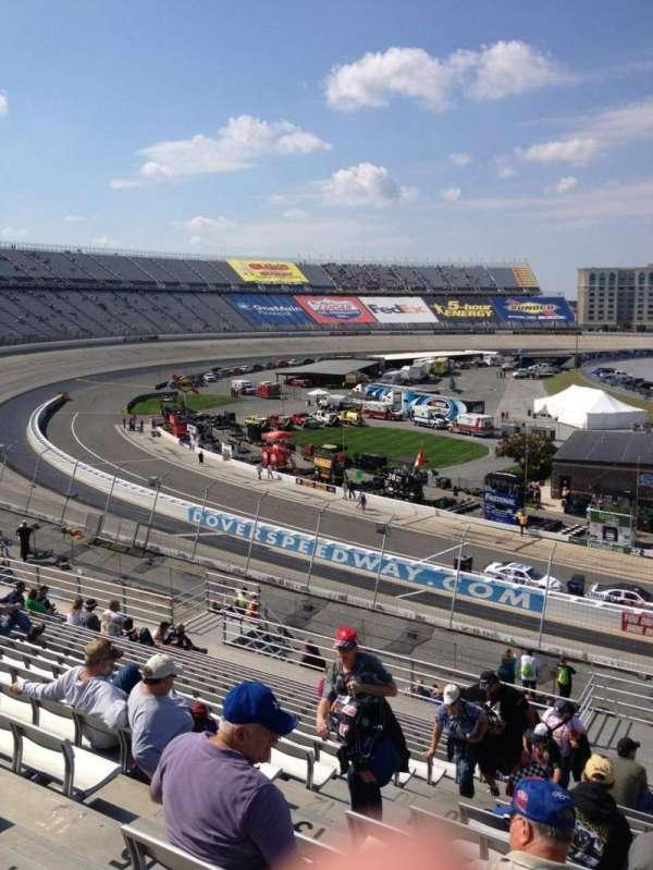 Dover International Speedway, secção: 112, fila: 18, lugar: 9