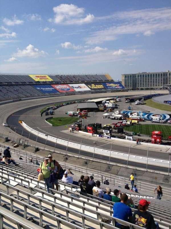 Dover International Speedway, secção: 117, fila: 25, lugar: 10