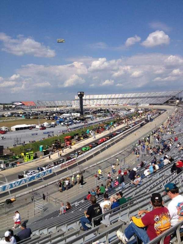 Dover International Speedway, secção: 118, fila: 24, lugar: 9
