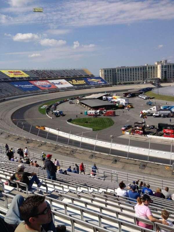 Dover International Speedway, secção: 121, fila: 24, lugar: 12