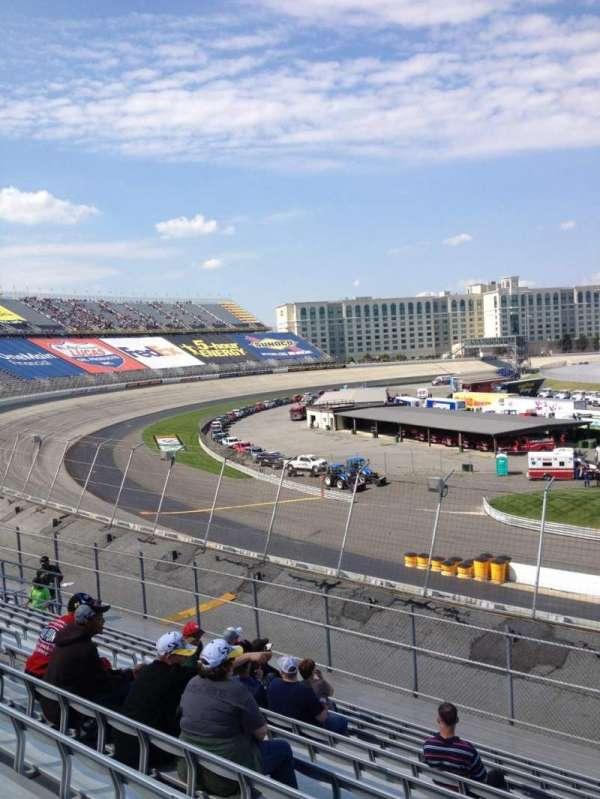 Dover International Speedway, secção: 127, fila: 12, lugar: 6