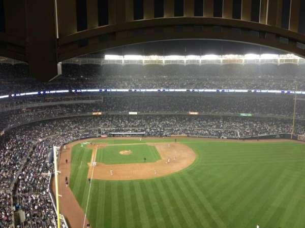 Yankee Stadium, secção: 406, fila: 4, lugar: 3